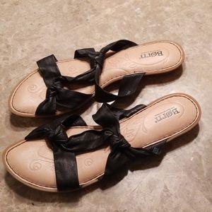 NWOT Size 10 Sandals